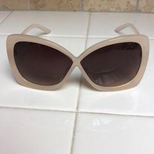 Accessories - Beige sunglasses